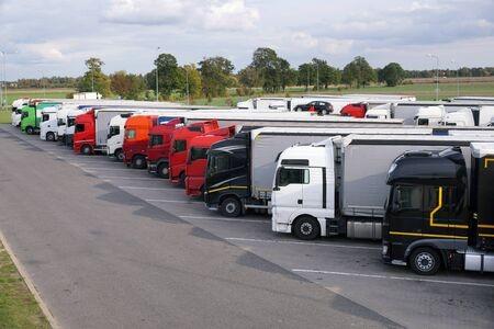 leasing samochodu ciężarowego small obraz